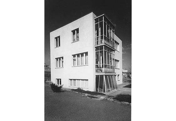 Uhlíř House, south-west corner with a greenhouse, 1932